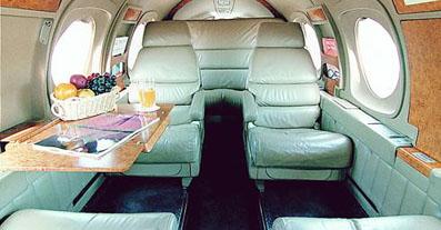 F100 - Dengan Model Passenger 6-8 Orang
